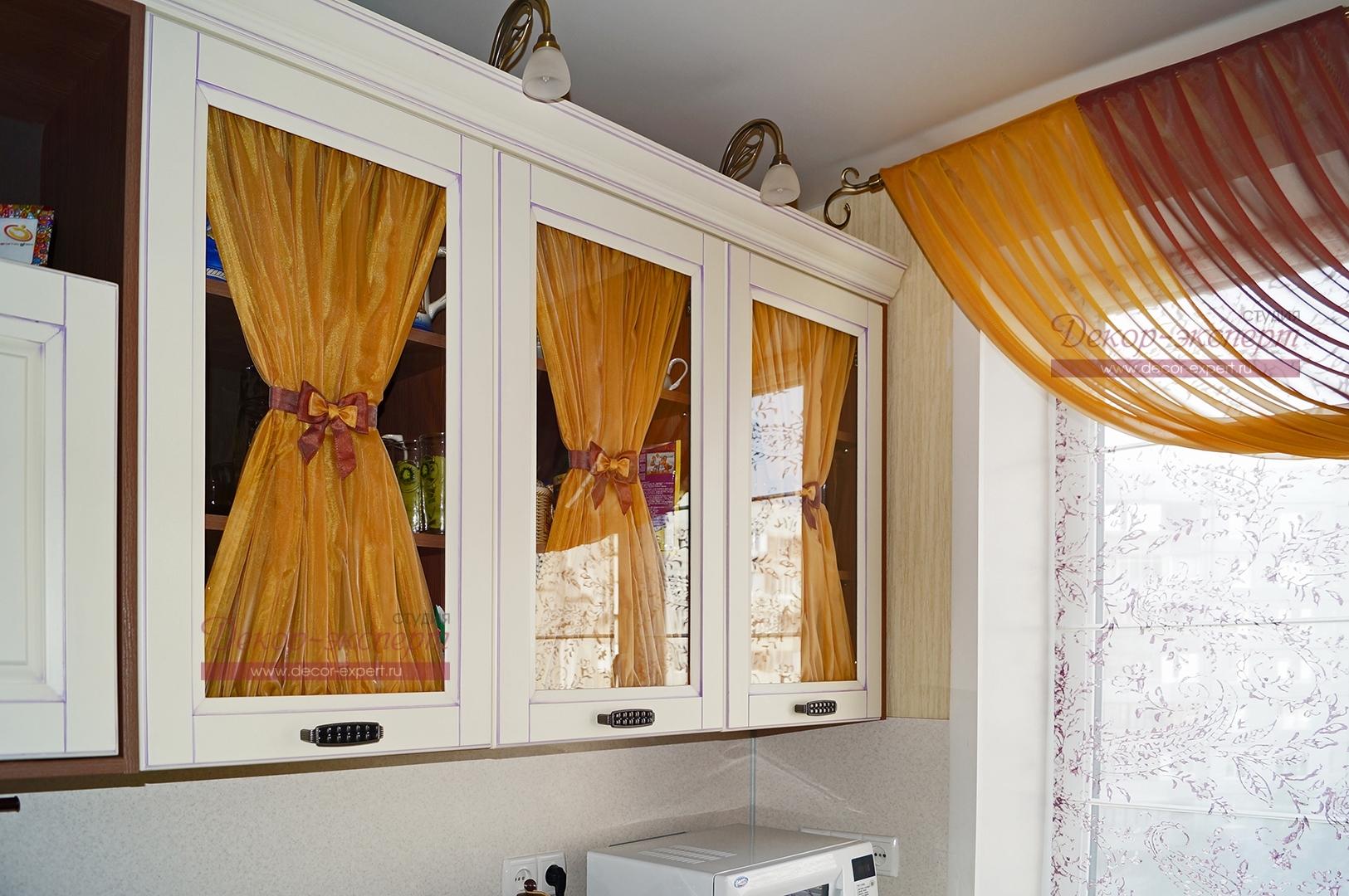 Фото-75. Драпировка на дверках шкафов.