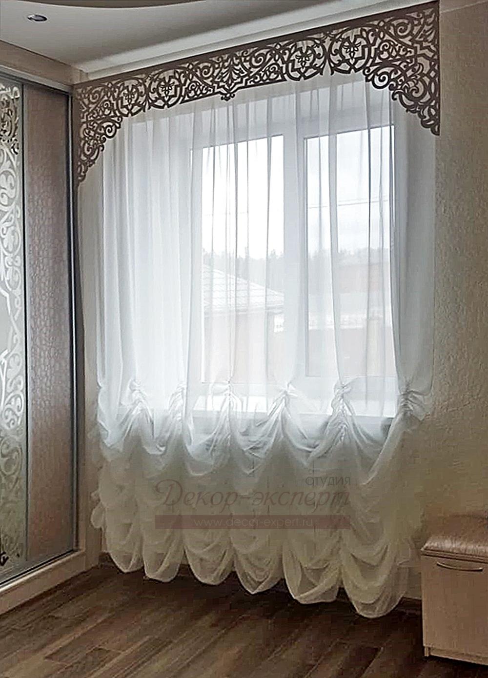 Фото-208.  Ажурный ламбрекен Византия в интерьере заказчика из Омска.