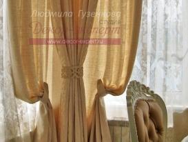 Фото-108. Ажурный подхват на угловой шторе в классической гостиной. Людмила Гузенкова, Краснодар.