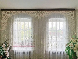 """Фото ажурного ламбрекена """"Верона-5"""" белого цвета в гостиной Зои из Краснодарского Края"""
