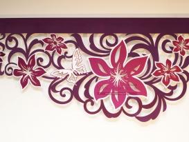 """Многоцветный ажурный ламбрекен со стазами дизайн """"Яркий клематис"""" для нашей  заказчицы из Лабытнанги."""