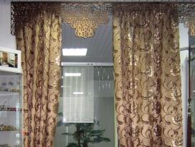 Фото-60. Образец с ажурным ламбрекеном в салоне Эксклюзив.