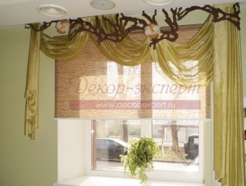 Фото-33. Декор окна в салоне красоты в Тольятти.