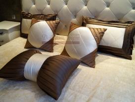 Декоративные подушки для спальни.