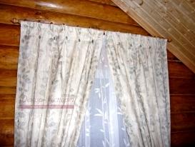 Фото-30. Деревенские шторы декорированные пуговками под обтяжку.