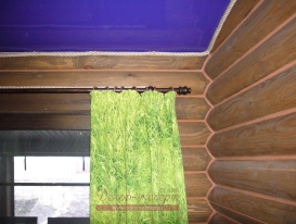 Деревенские шторы в спальне. Фрагмент.