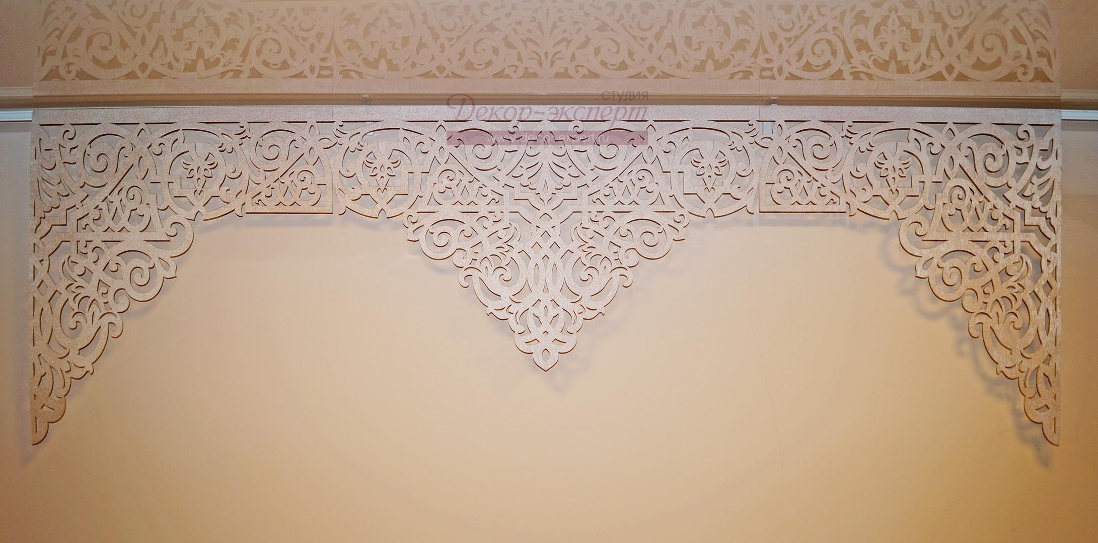 Ажурный ламбрекен Византия,  размеры правого и левого угла увеличены по желанию заказчика.