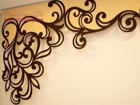 Деталь двухцветного ажурного ламбрекена, сделанного по эскизу заказчика.