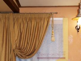 Фото-7. Круглый металлический карниз в классическом стиле цвет бронза