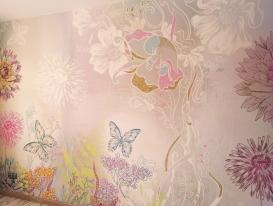 Обои с цветами и бабочками