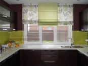 Фото-63. Римская штора на кухне приподнятом положении.