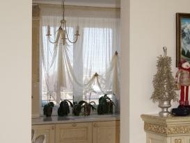 Фото-88. Лёгкие шторы для кухни.