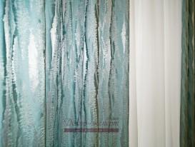 Жаккард серебристо бирюзового цвета и светлый креп.