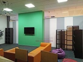 """Общий вид интерьера изнутри холла """"Креативного пространства wi-fi""""."""