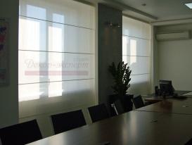 Фото-71. Римские шторы с электрическим приводом в кабинете руководителя.