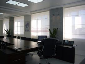 Фото-70. Римские шторы в кабинет руководителя.