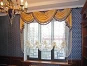 Фото-13. Классические шторы в кабинете дома.