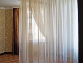 Фото-99.  Балдахин для спальни в частично закрытом состоянии.