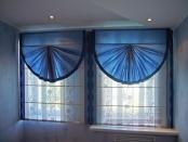 Фото-16. Двойные римские шторы в сложной конфигурации.