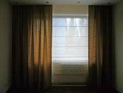 Фото-31. Реализация проекта с римской шторой в спальне.