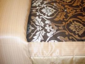Фото-53. Фрагмент покрывала для спальни, с удлинением для обёртывания подушек.