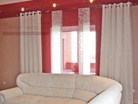Фото-29. Белые шторы для розовой гостиной в Тольятти.