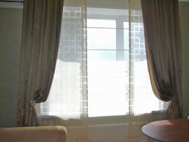 Фото-50. Шторы на окне в комнате мальчика подростка.