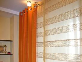 Фото-6. Фрагмент комбинации штор на люверсах и римской в детской комнате.