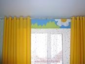 Фото-25. Жёлтые шторы на люверсах и ламбрекен с аппликацией в детскую комнату.