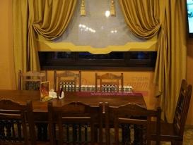 Фото-20. Композиция из римской шторы и двух портьер по бокам.