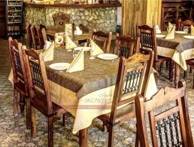 Фото-25. Наши скатерти и салфетки в ресторана в охотничьем стиле.