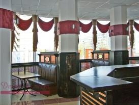 Фото-5. Текстилный декор окна кафе в ТРК Капитал в Тольятти.