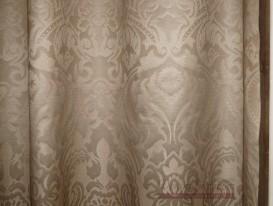 Ткань с тефлоновой пропиткой и водоотталкивающими свойствами для шторы в душевой.