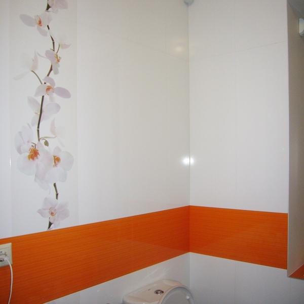 Бело-оранжевые контрасты на плитке