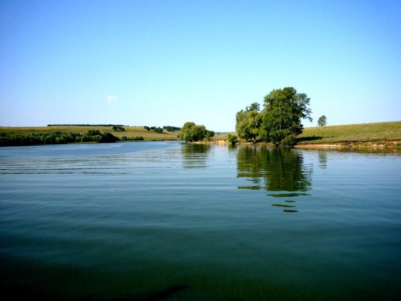 Волга недалеко от Волжского утёса.