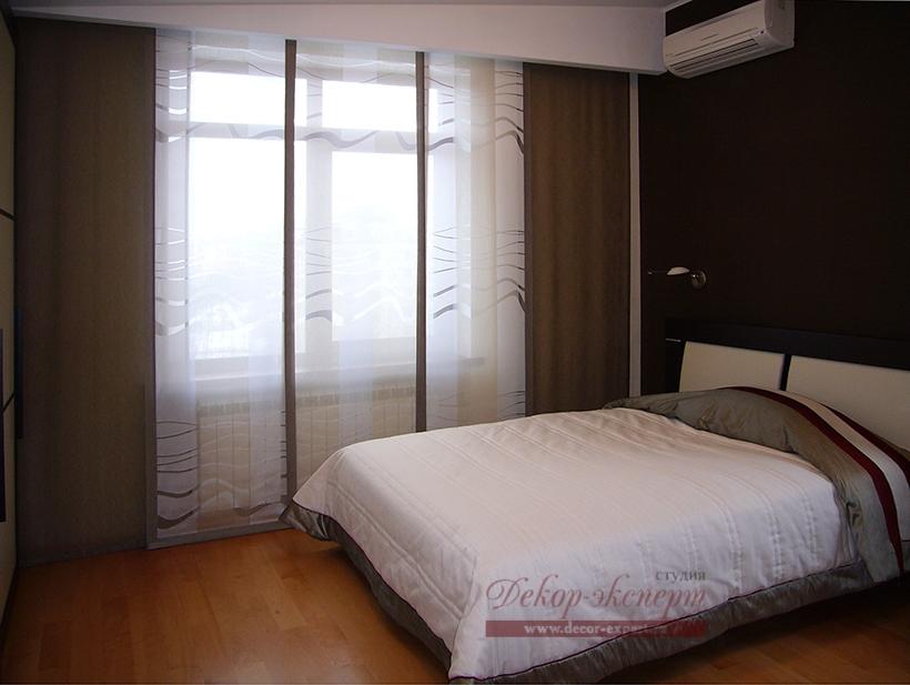 Японские панели для спальни из портьерных тканей Raschtextil и Seag, дизайн штор Светлана Никитина