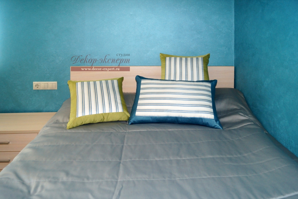 Покрывало и декоративные подушки для комнаты мальчика подростка, Тольятти, Самара, Сызрань, дизайнер Светлана Никитина