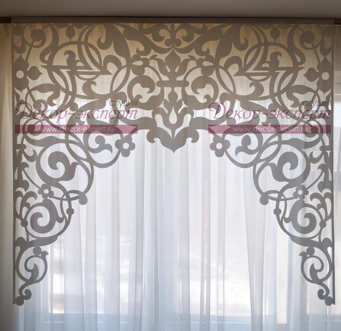Ажурный ламбрекен для арочного окна