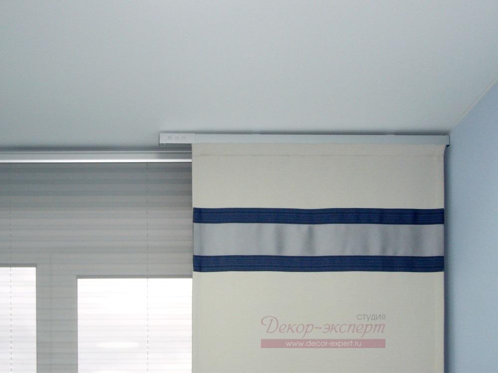Японские шторы для офиса. Фрагмент.
