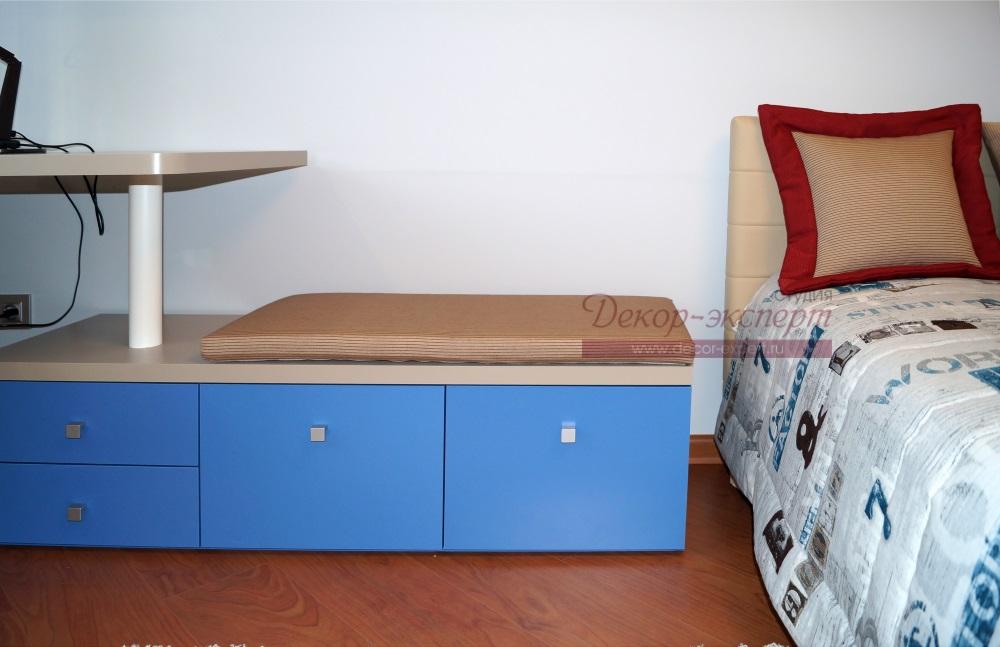 Плоская декоративная подушка