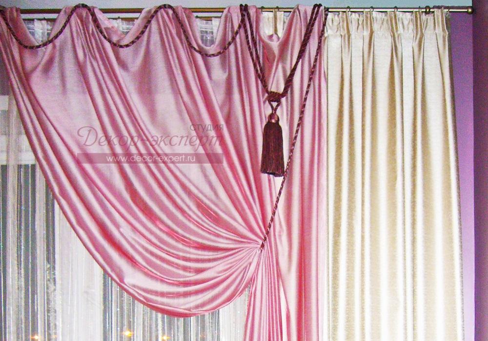 Подхватываем портьеру декоративным шнуром