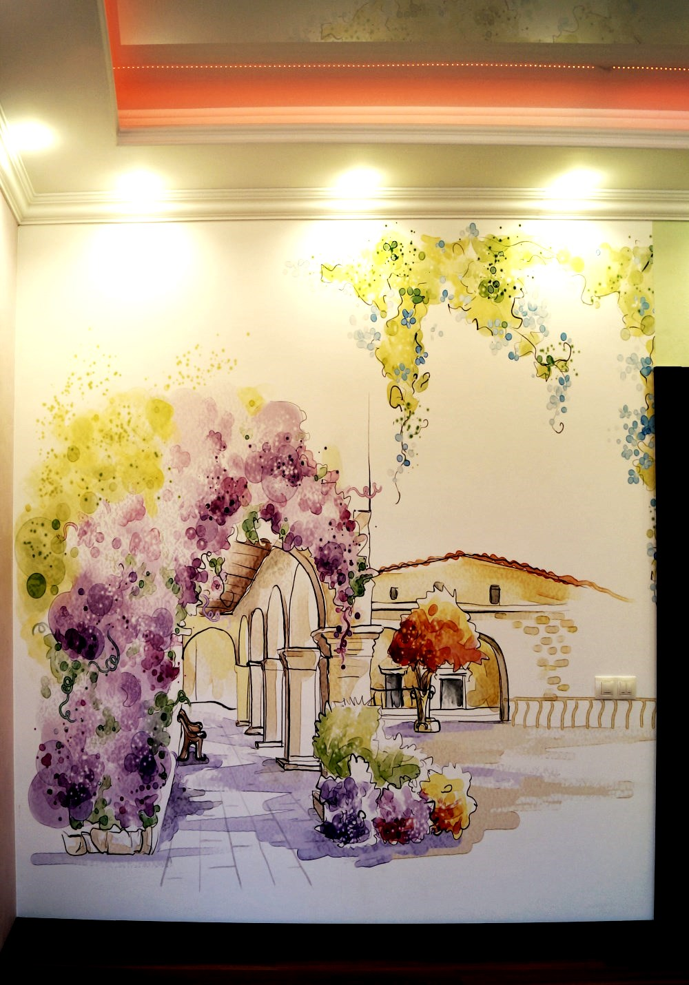 Панно из фото обоев на стене в детской комнате девочки