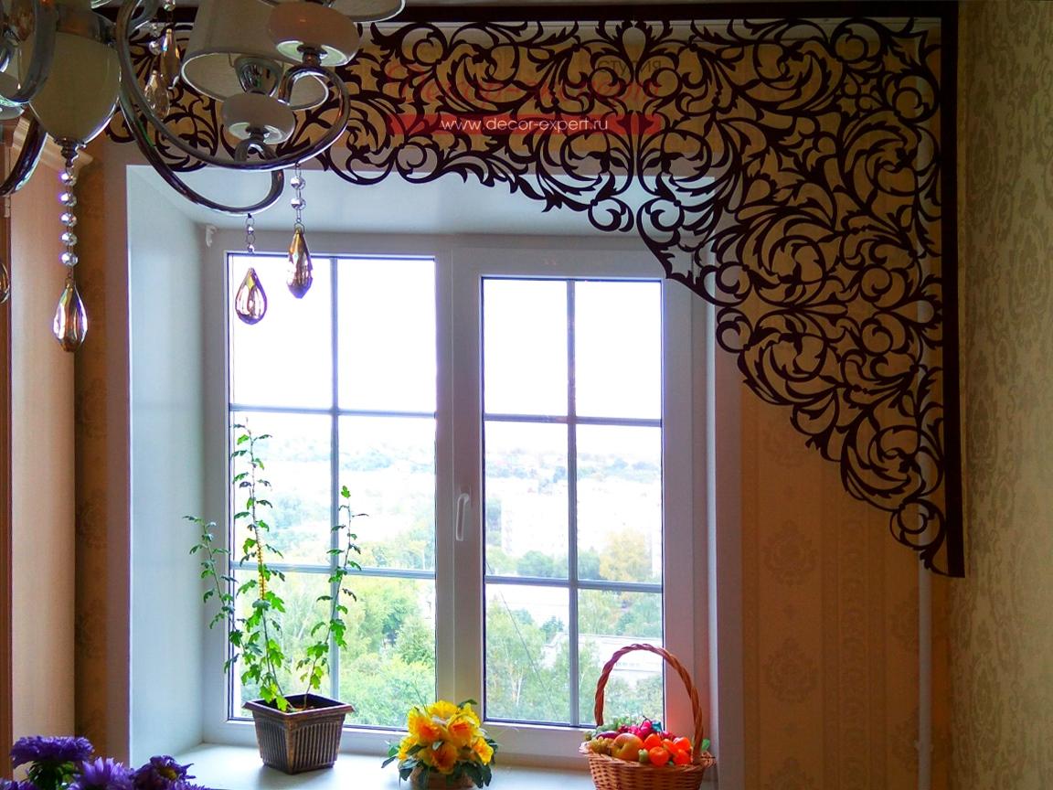 Фото ажурного ламбрекена в интерьере кухни
