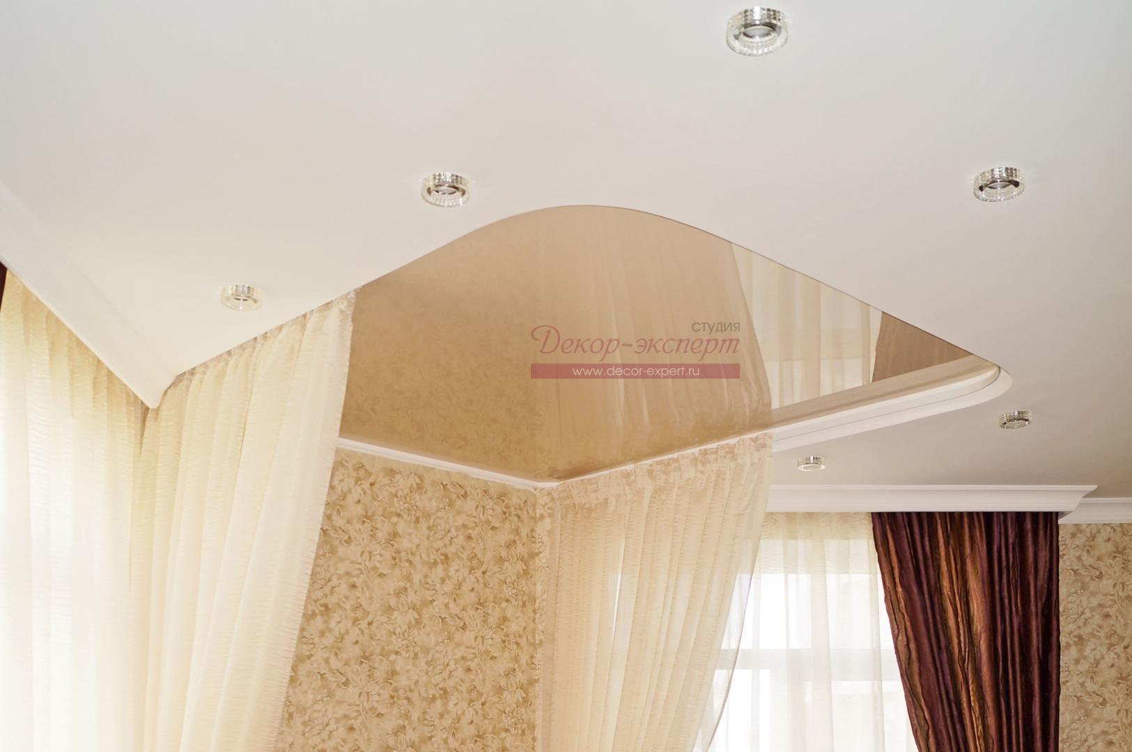 фрагмент потолка с нишей для балдахина