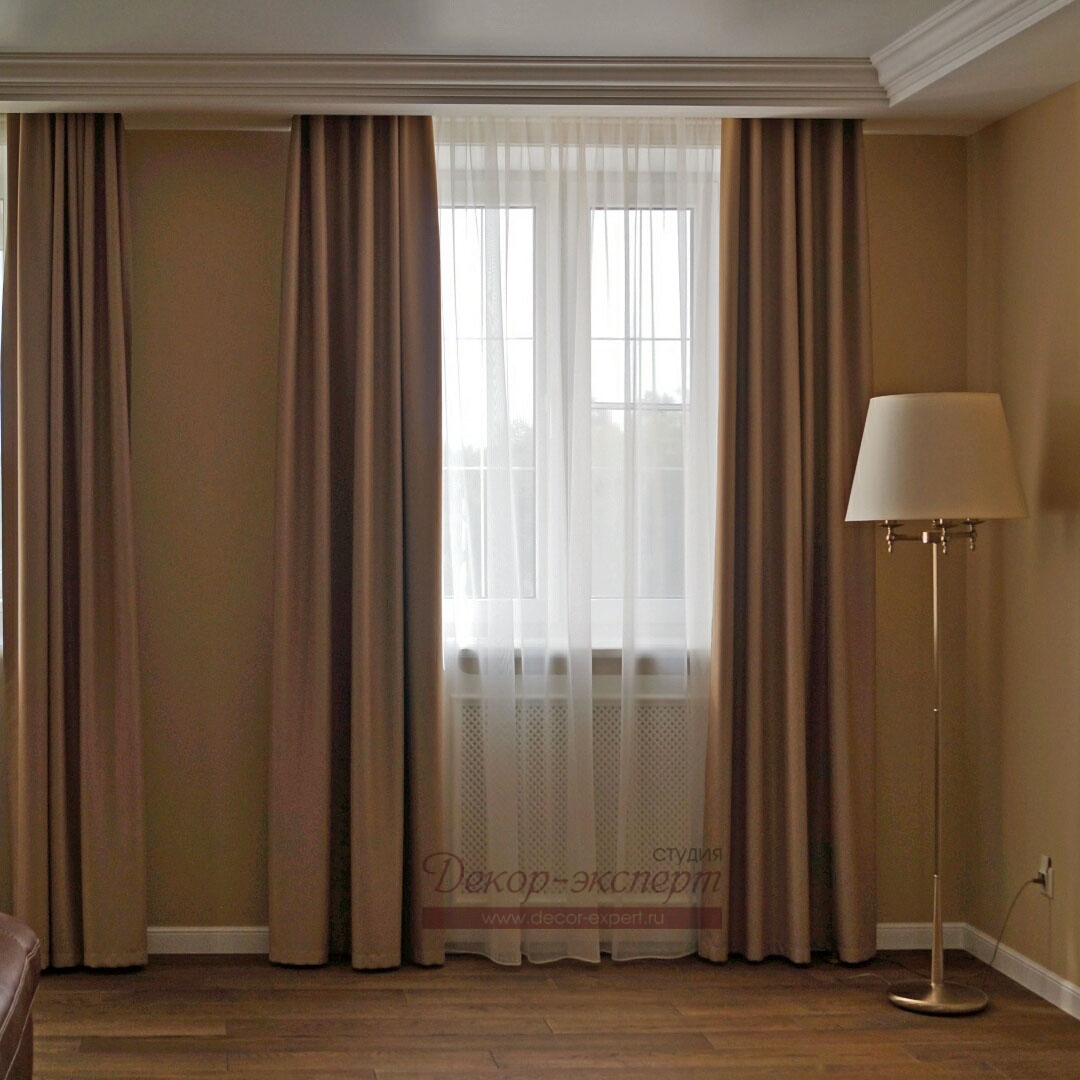 Шторы для гостиной из ткани BlackOut фронтальный вид.