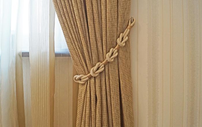Подхват для штор в комнату девочки подростка из Сызрани