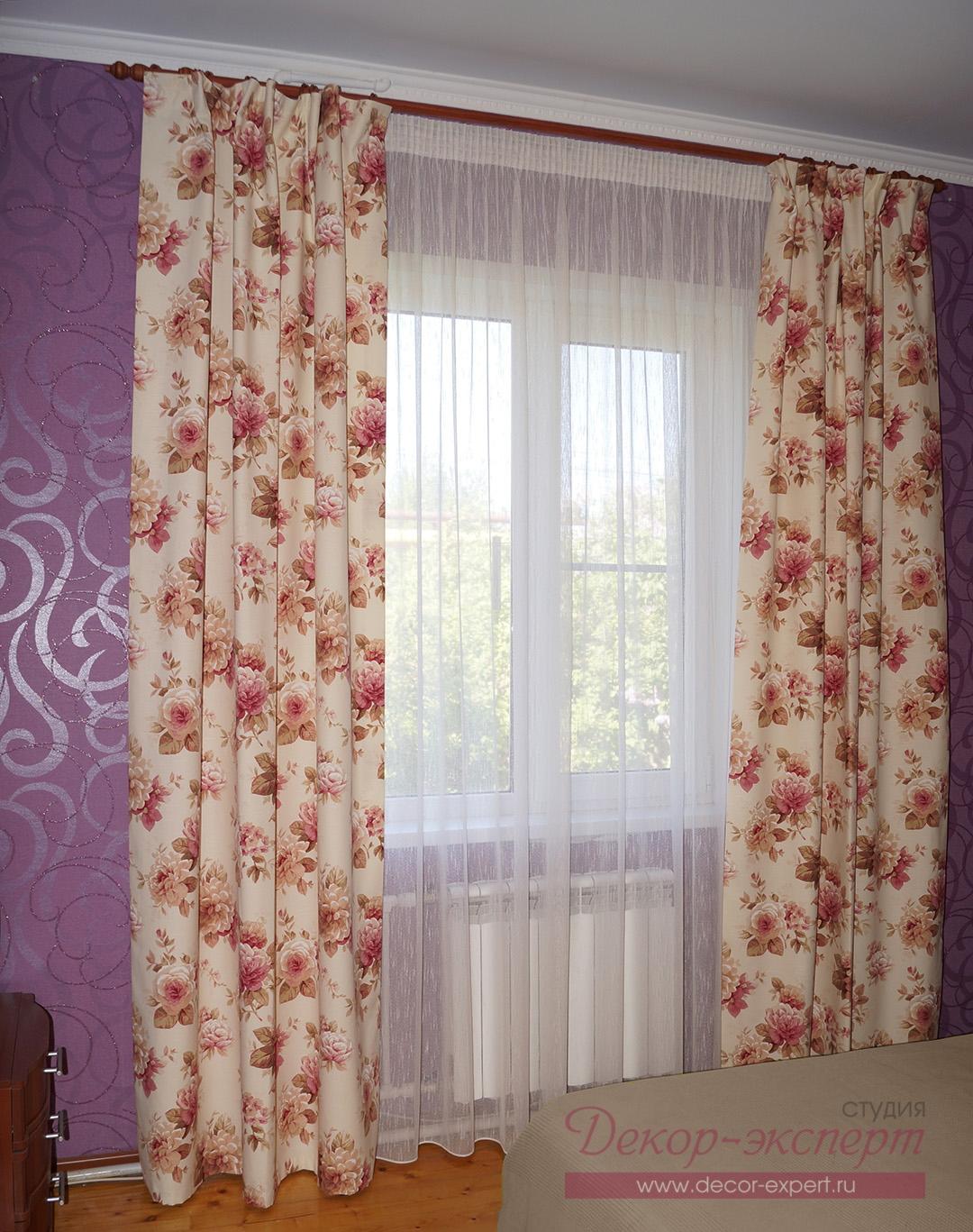 Шторы для спальни дома в пригороде Тольятти.