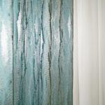 Жаккард серебристо бирюзового цвета и светлый креп